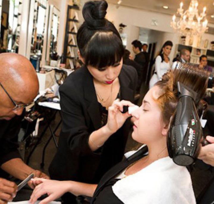 Deborah Messing Makeup Hair on set